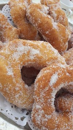 Ingredients: of flour 1 sachet of baker's yeast 1 egg glass d Beignets, Churros, Donut Recipes, Dessert Recipes, Cooking Recipes, Bakers Yeast, Tunisian Food, Food Snapchat, Middle Eastern Recipes