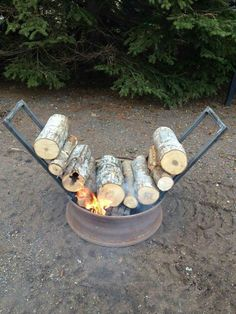 Self feed fire pit