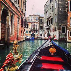 kisforkani:    Admiring the beautiful canals of Venice