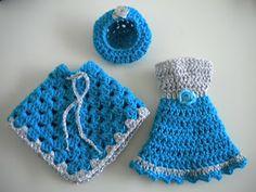 Grote poncho/mini poncho met hoed en jurk