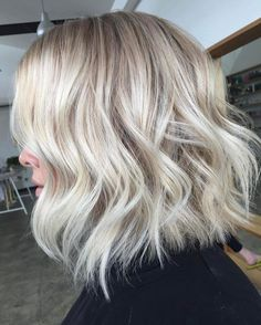 An #amazing colour by @torie_edwardsandco and epic #cut and #hairstyling by @amandatua_edwardsandco with these lush waves#edwardsandco #edwardsandcoalexandria