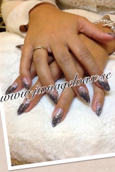 Stiletto grått och silver