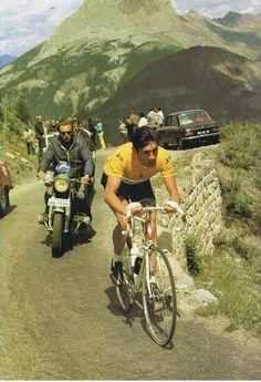 hace ya unos años en el Tour de Francia... algunas cosas cambian, otras, por suerte, no... :)