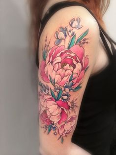 Delicati tatuaggi con peonie: foto e significato