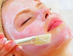 Unter den zahlreichen Kosmetik- und Wellnessanwendungen wird mit Sicherheit auch eine für Sie dabei sein. Unser geschultes Personal geht auf Ihre Wünsche ein und verwendet ausschließlich hochwertige Öle und Lotionen.  #hotel #cochem #relax #wellness #satisfaction #entspannung #hotstone #sauna #ayurveda #romantik #kesslermeyer #beauty #spa #kamin #makeup #cosmetics #ayurveda #kosmetik #urlaub #holidays #vacation #mosel