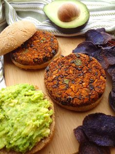 These No Crumble BBQ Black Bean Burgers are also gluten free! Topped with avocado, they're the perfect, crave-able vegan burger that won't fall apart! Leftover patties can be frozen for a quick lunch (Vegan Wraps Black Bean) Bean Recipes, Burger Recipes, Veggie Recipes, Whole Food Recipes, Cooking Recipes, Veggie Meals, Free Recipes, Vegan Dinner Recipes, Delicious Vegan Recipes