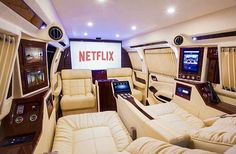 Broke girl, expensive taste – holiday destinations – – Luxury Cars – Join in the world of pin Wealthy Lifestyle, Billionaire Lifestyle, Rich Lifestyle, Luxury Lifestyle, Jets Privés De Luxe, Jet Privé, Luxury Private Jets, Private Plane, Kombi Home