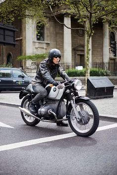 """boldempire: """" Bold Empire // A man and his machine, Hackney Road Bmw Boxer, Moto Cafe, Bmw Cafe Racer, Bmw Classic, Classic Bikes, Vintage Bikes, Vintage Motorcycles, Motorcycle Style, Biker Style"""