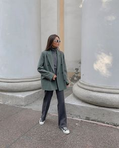 Check Cute and Comfortable Office and Work Outfits to Wear All Day Long, office outfits women young professional busines Look Fashion, Korean Fashion, Fashion Outfits, Womens Fashion, Muslim Fashion, French Fashion, Hijab Fashion, Fashion Tips, Winter Outfits