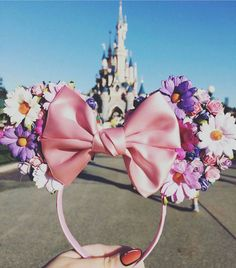 ριитєяєѕт: Disney Flower Mickey Ears Flower and Garden Disney Diy, Diy Disney Ears, Disney Mickey Ears, Disney Crafts, Cute Disney, Disney Style, Diy Mickey Mouse Ears, Disney Bows, Disney Outfits