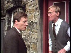 Pride Of Possession (1978) Cottage in Market Place, Askrigg, Wensleydale, North Yorkshire - The home of painter, Mr Roland Partridge who greets James at his front door.