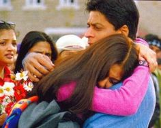 #MainHoonNa #10YearsOfMHN @TheFarahKhan & @Omg SRK Мy most favorite  songs pic.twitter.com/jKH8TmfAtO Main Hoon Na, Most Favorite, Shahrukh Khan, Cinematography, Maine, Bollywood, Songs, Couple Photos, Twitter