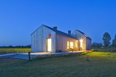 Gallery of Field House / Blank Architects - 6