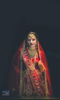 "Photo from Fotoframe Studio ""Wedding photography"" album Indian Wedding Photos, Indian Wedding Outfits, Saree Gown, Lehenga Wedding, Bridal Poses, Bride Portrait, Asian Bride, Photographic Studio, Wedding Preparation"