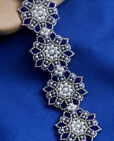 FREE Tutorial for Beadwoven Bracelet by Liëk. Use: Swarovski bicone beads 4mm…