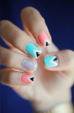 Triangle nail art: three color colour design: soft baby pink (Nfu Oh Mor04), light neon blue (Rainbow Honey Mint Flavor) and glitter sparkle silver (A-England Merlin) and black and white