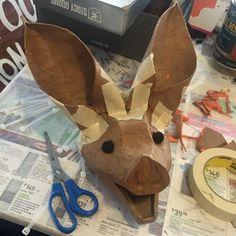 How to make a huge papier mache bat Halloween decoration; Paper Mache Diy, Paper Mache Mask, Paper Mache Projects, Paper Clay, Paper Art, Paper Crafts, Art Projects, Dyi Crafts, Cardboard Mask
