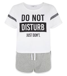 """- White 'Do Not Disturb Just Don't' printed t-shirt- Grey drawstring shorts- Casual fit- Model is 5'8""""/176cm and wears UK 10/EU 38/US 6"""