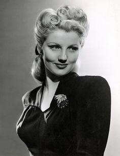Dolores Moran (1926-1982), 1942