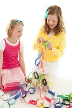 Hostess with the Mostess® - art gallery party - paper chain