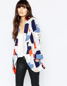 The most perfect YangN blazer, I find the best things when I'm looking for something else. Like many prints, picking a season is challenging but form how it looks relative to the black and white, I'd think of a Bright season.