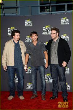 Zac Efron: MTV Movie Awards 2013 with Pantsless Seth Rogen!