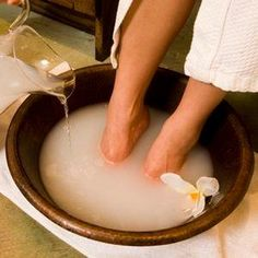 One of the best softening, detoxifying foot soaks ever! Fill a large bowl with warm water and add 1 cup apple cider vinegar with 1 cup Epsom salt. Soak your feet for 10-15 minutes, rinse and lightly scrub with pumice stone. Then say hello to gorgeous feet :) by elena
