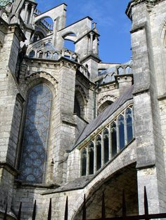 Chartres Cathedral, France - Travel Photos by Galen R Frysinger, Sheboygan, Wisconsin Cathedral Architecture, Gothic Architecture, Classical Architecture, Ancient Architecture, Beautiful Architecture, Beautiful Buildings, Architecture Details, Flying Buttress, Medieval Gothic