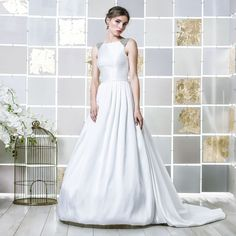 Gio Rodrigues Núbia Wedding Dress  majestic wedding dress princess style  mikado embroidered crystals pleats engaged inspiration unique gorgeous elegant bride