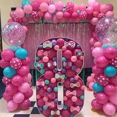 No photo description available. Candy Theme Birthday Party, 6th Birthday Parties, Candy Party, Birthday Balloons, Birthday Party Decorations, 16th Birthday, Carnival Birthday, Birthday Ideas, Jojo Siwa Birthday