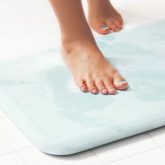 """soil"" Bathmat   ⇒A high rate of water absorption."