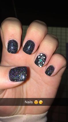 Black glitter solar nails with snowflake design ❤️