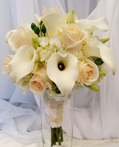 Ivory roses and hydrangea.