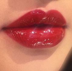 Make up looks red lips Red Aesthetic, Aesthetic Makeup, Lip Art, Makeup Inspo, Makeup Inspiration, Makeup Ideas, Skin Makeup, Beauty Makeup, Makeup Lipstick