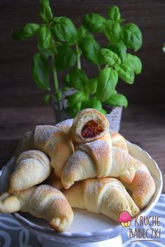 Rogaliki drożdżowe najlepsze | kruche babeczki Pretzel Bites, Bagel, Food And Drink, Bread, Cookies, Sweet, Crack Crackers, Candy, Brot