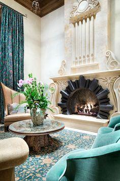 Камин в интерьере: 140 избранных идей для гостиной и тонкости каминного искусства http://happymodern.ru/kamin-v-interere-140-foto-gostinaya-s-kaminom/ Шикарный камин в интерьере гостиной