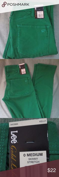 Lee Gold Label Kelly Green Skinny Stretch Jeans Lee Gold Label Kelly Green Skinny Stretch Jeans Size 0 Medium The jeans have never been worn and have the tags attached. Lee Jeans Skinny