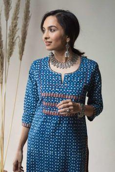 Salwar Kameez Neck Designs, Kurta Neck Design, Salwar Designs, Neck Patterns For Kurtis, Dress Patterns, Long Kurti Patterns, Salwar Pattern, Simple Kurti Designs, Kurta Designs Women