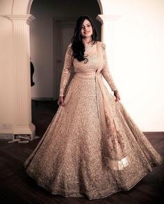 Find top 21 trending metallic bridal lehenga designs for this wedding season. Metallic bridal lehenga designs you cannot afford to miss, must check out once. Pakistani Engagement Dresses, Engagement Dress For Bride, Engagement Gowns, Indian Bridal Outfits, Indian Fashion Dresses, Indian Gowns, Wedding Attire, Indian Wear, Wedding Dresses