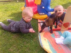 Ook de baby's vinden het fijn om buiten te zijn!
