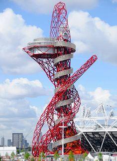 Orbit Tower Le plus grand toboggan d'acier à Londres