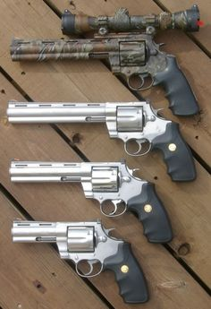 This camo revolver is the bomb. Weapons Guns, Guns And Ammo, Colt Python, 44 Magnum, Hand Cannon, Survival, Fire Powers, Cool Guns, Bushcraft