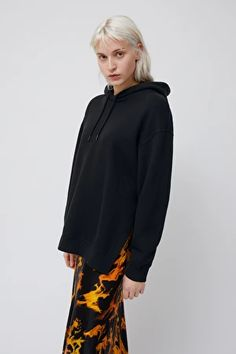 Explore this season's hoodies & sweatshirts by Weekday. Cut Sweatshirts, Hooded Sweatshirts, Hoodies, Youth Culture, Black Hoodie, Fashion Brand, Favorite Color, Hooded Jacket, Organic Cotton