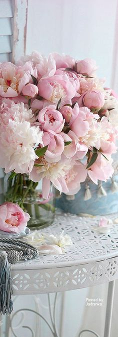 nelly vintage home Beautiful Flower Arrangements, Fresh Flowers, Floral Arrangements, Beautiful Flowers, Couleur Rose Pastel, Peony Flower, Flower Images, Pink Peonies, Planting Flowers