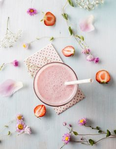 Tips for Anti Diet - Quels smoothies pour déloger la cellulite Smoothie Fruit, Apple Smoothies, Yummy Smoothies, Smoothie King, Strawberry Smoothie, Green Smoothies, Yummy Smoothie Recipes, Healthy Recipes, Healthy Food