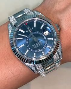 Branded & Luxury Watches For Men Fancy Watches, Best Watches For Men, Rolex Watches For Men, Expensive Watches, Elegant Watches, Stylish Watches, Luxury Watches For Men, Beautiful Watches, Cool Watches