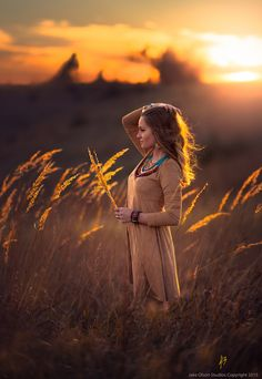 Harvest Sunset by Jake Olson Studios - Photo 128437727 - Senior Photography, Autumn Photography, Sunset Photography, Creative Photography, Portrait Photography, Fall Portraits, Portrait Poses, Creative Portraits, Fall Pictures