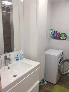 Koupelna - Inspirace | Modrastrecha.cz Washing Machine, Laundry, Home Appliances, Laundry Room, House Appliances, Appliances, Laundry Rooms