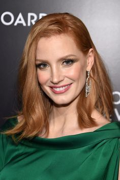Jessica Chastain Breaks All The Redhead Beauty Rules Jessica Chastain, Langer Bob, Actress Jessica, Red Hair Color, Strawberry Blonde, Beautiful Redhead, Celebs, Celebrities, Straight Hairstyles