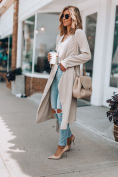 A transitional outfit for summer to fall cella jane // workwear comfortable & classy outfit Look Fashion, Fashion Outfits, Womens Fashion, Fashion Trends, Fashion Styles, Fashion Ideas, Petite Fashion, 80s Fashion, Fashion Tips